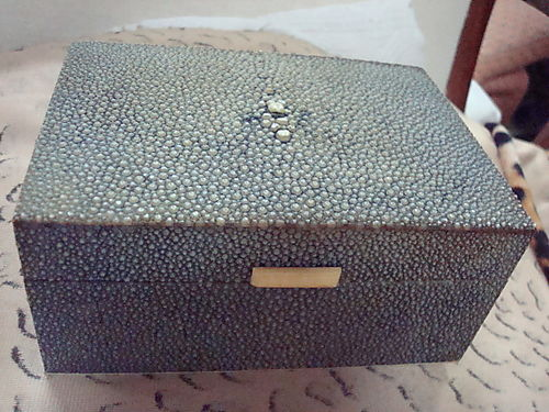 Galuchat box
