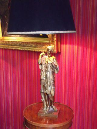 Neoclassic lamp