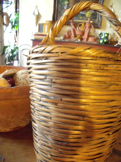 Old provencal basket