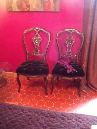 Victorian armchair with swarovski diamond