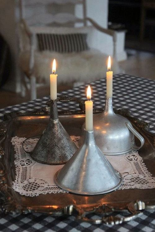 SIMPLE CANDLESTICK