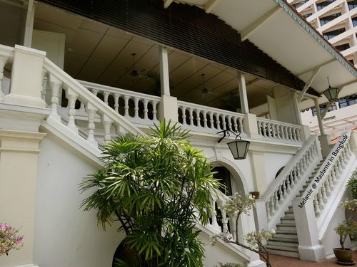 Residence de France Bangkok les escaliers