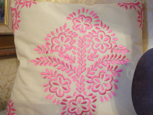 Arabesque cushion