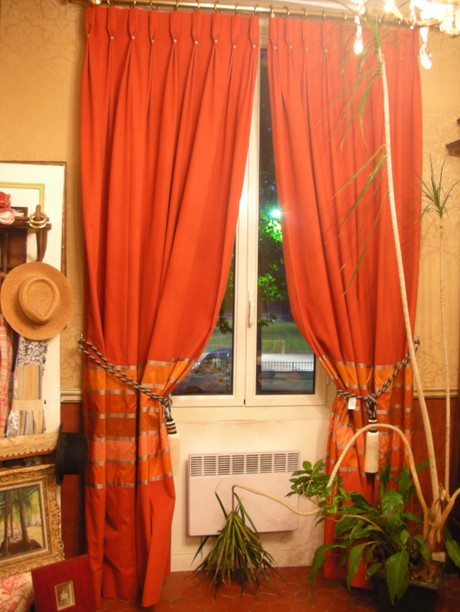 My_curtains_in_the_show_room