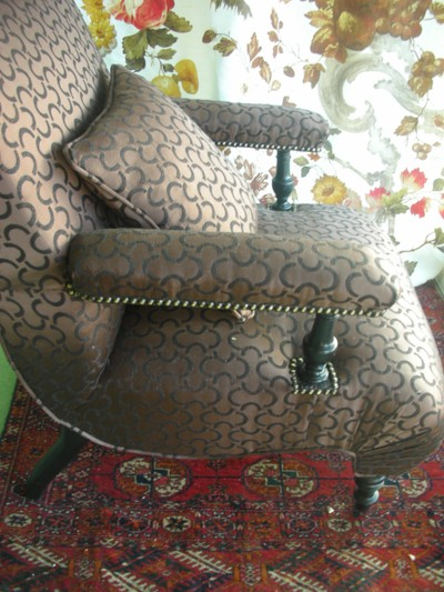 Detail_of_the_armchair