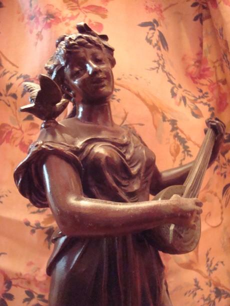 Singing_woman