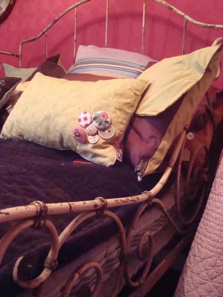 Romantic_bedroom