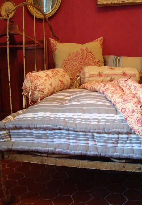 Old_fashioned_mattress